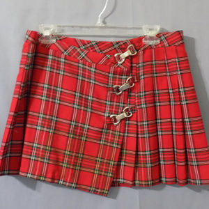 plaid skirt with silver clasps